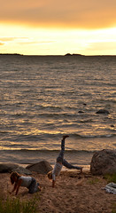 An evening by the sea (Basse911) Tags: summer kesä sommar evening ilta kväll beach ranta strand playa plage sea meri havet östersjön itämeri balticsea waves hangö hanko husstranden husbeach finland suomi nordic