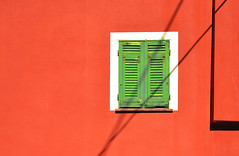 red and green (poludziber1) Tags: street streetphotography summer skyline city colorful cityscape color colorfull red light liguria lerici italia italy green urban travel architecture abstract
