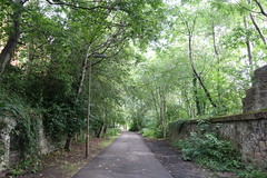 Continuing along the path (koukat) Tags: scotland edinburgh uk drive water leith walkway river path walk