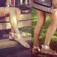 Zoom de las alitas en mis pies! hoy voy a volar!!!!!!😜 #zapatosmolones #sandaliasgriegas #madeinAthens #compradasenunpuestodemercadilloenAtenas (elblogdemonica) Tags: ifttt instagram elblogdemonica fashion moda mystyle sportlook springlooks streetstyle trendy tendencias tagsforlike happy looks miestilo modaespañola outfits basicos blogdemoda details detalles shoes zapatos pulseras collar bolso bag pants pantalones shirt camiseta jacket chaqueta hat sombrero