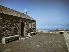 Chapel (ancientlives) Tags: stives cornwall england uk europe chapel stnicholas island theisland bluesky clouds sea atlanticsea atlantic christian church christ wednesday 2017 summer july landscape walking