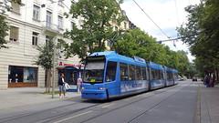 MVG 2207 | Wörthstraße, Munich, 2017-07-15 (dolanansepur) Tags: tram transportation strasenbahn streetcar munich münchen mvg lightrail adtranz bombardier öpnv tramway trambahn