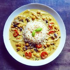 Kichererbsen-Curry (kathibro92) Tags: kichererbsen curry coco kokosmilch hummus lunch basil basilikum yellow yummy lecker hot chili ingwer cooking rice reis