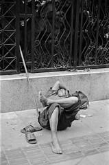 sleeping (qw0aszx) Tags: 35mm film streetphotography shanghai canonae1 kentmere400
