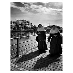 Too hot to be a nun #GenteDeAyamonte . . #ShotOnIPhone6S #Snapseed #BlackieApp . @lacalleesnuestracolectivo #lacalleesnuestracolectivo (luisonrh) Tags: ifttt instagram bw blackandwhite blancoynegro monochrome monocromático digital documentary candid gente people street streetphoto streetphotography mobile mobilephotography iphoneography shotoniphone6s hipstamatic