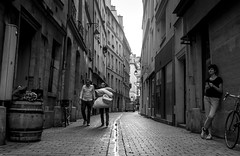 DSCF2586 (::Lens a Lot::) Tags: carl zeiss distagon 25mm f28 1974 | 6 blades iris rollei qbm mount paris 2017 noir et blanc monochrome streetphotography candid city life bw wide angle vintage west germany lens prime fixed length street photography darkness
