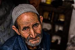 COBLER (Pedro Orihuela Orellana) Tags: portrait morocco dragan nikonfli nikonflickraward ngc cobler shoemaker