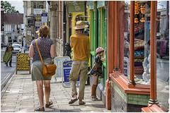 people in Glastonbury ... (miriam ulivi) Tags: iriamulivi nikond7200 england somerset glastonbury people streetptotography colors