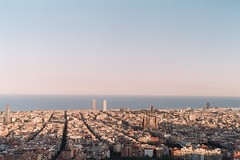 El mirador favorito (Andy Yankovskyi) Tags: eurotrip film fujifilm superia europe photography barcelona catalunia spain city sites street