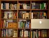 Andrea L. (Colombaie) Tags: ritratti progetto fotografico librari libri lettura letture psiche carattere persona andrea casa libreria intimo