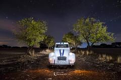 Citroën 2CV (Gabriel Glez.) Tags: gabrielglez noctografia citroen citroën citroën2cv lightpaintingcar nightphotography night car nightcar