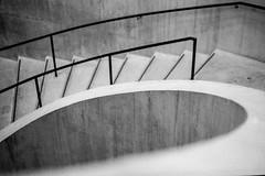 Round (D I C K S D A I L Y) Tags: nikonf80 nikkor5018|rolleirpx100|rodinal125 tatemodern artgallery curves steps planthouse architecture london bw