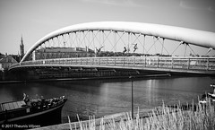 Kładka Ojca Bernatka (Theunis Viljoen LRPS) Tags: bridge krakow kładkaojcabernatka podgorze poland vistulariver