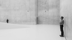 (Magdalena Roeseler) Tags: street streetphotography candid people minimal minimalism architecture bw blackandwhite monochrome woman female olympus zuiko architektur geometry lines building