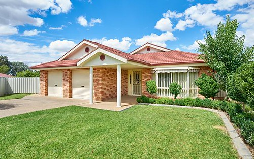 6 Yeomans Place, Kooringal NSW