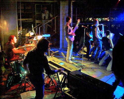 Qube #rock 🎸 #live #funky #latin #2003 #qube #fusion #alessiorenzopaoli #music #rocknroll #sottosuolo #underground 🙌 #concerti  #batteria #dalvivo #roma #italia #tibervalley #italy #rome 📷 ] ;)::\☮/>> http://www.elettrisonanti.n