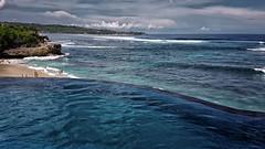 Infinity Pool @ Dreamland Beach - Nusa Lembongan - Indonesia (André Schönherr) Tags: 40d visionhunter beach pool water wasser meer ozean marine aqua blue