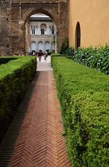 Real Alcazar de Sevilla (Mark Wordy) Tags: seville sevilla spain arches moorish realalcazardesevilla alcazarofseville path