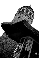 spi_199 (la_imagen) Tags: türkei turkey türkiye turquía istanbul istanbullovers galatatower galatakulesi galataturm galata sw bw blackandwhite siyahbeyaz monochrome simit