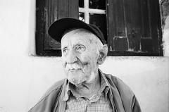Θείος Γιώργος - Uncle Giorgos (Νίκος Αλμπανόπουλος) Tags: ikaria minoltax370 ικαρία ilfordxp2super400