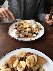 Waffles and French Toast at Brammibals (Andy Hay) Tags: 2017 berlin brammibals breakfast donuts doughnuts frenchtoast germany neukolln vegan waffles