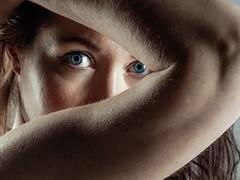 Obstruction (Antonio Goya) Tags: zaragoza españa spain girl eyes modelo model nude sensual beautyful olympus omd dng dzoom rusian blue studio