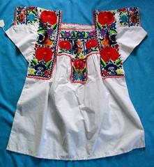 Nahua Blouse China Poblana Chilac Puebla Mexico (Teyacapan) Tags: puebla mexico blouses embroidered textiles chinapoblana blusas sangabrielchilac sierranegra flowers sewing ropa