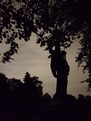 Angel in the Dark (failing_angel) Tags: 081016 london phone kensingtonchelsea bromptoncemetery londonmonthofthedead
