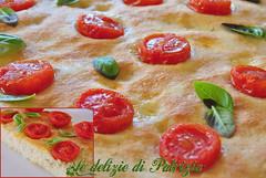 Focaccia con pomodorini ciliegini e basilico (Le delizie di Patrizia) Tags: focaccia con pomodorini ciliegini e basilico le delizie di patrizia ricette