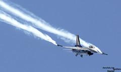 F-16 dejando estelas (Dawlad Ast) Tags: asturias gijon air show festival aereo 2017 san lorenzo bahia aviones planes airplanes españa spain julio july lockheed martin f16am fighting falcon fa123 belgian force sn 6h123 f16