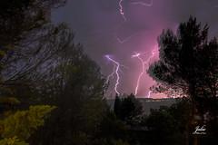 Tormenta eléctrica (Julio Millán) Tags: rayos noche airelibre viento largaexposición cielos nocturna
