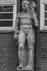 Sprinkenhof (michael_hamburg69) Tags: hamburg germany deutschland bauschmuck sculpture male skulptur nude mann allegorie kunst art sprinkenhof eingangjohanniswall dreizack sculptor bildhauer hanswagner
