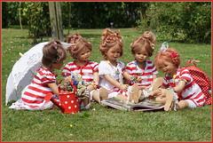 Fotobuch Guckstunde  ... (Kindergartenkinder) Tags: seppenrade sanrike tivi rosengarten blumen personen kindergartenkinder garten blume park frühling annette himstedt dolls milina annemoni jinka
