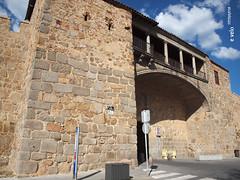 Murallas de Ávila 02 (e_velo (εωγ)) Tags: 2017 españa ávila primavera spring e620 olympus travels viajes viatges castilla ancientarchitecture murallas walls muralles