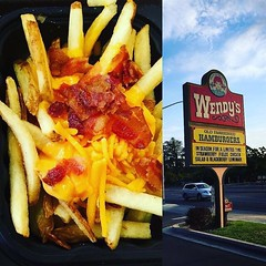 Time to eat dinner 🍟  📍Fresno https://youtu.be/SykqdL069VQ  #food #lunch #blog #travel #wendys #foodporn #hungry #Foodies #foodlover #photography (yourtravelguide) Tags: lunch blog travel wendys foodporn hungry foodies foodlover photography