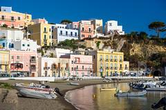 Isola di Ponza - Porto (bautisterias) Tags: italy italia ponza pontine island mediterranean summer med isola isla île beach spiaggia sea
