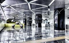 Universita 12 (isnogud_CT) Tags: universita statione eingang bahnhof neapel italien ubahn underground skulptur linea1 tube