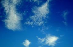 Volare fra le nuvole. (NUVOLA18) Tags: nuvole cielo azzurro aereo volare