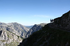 "Picos de Europa 2017 298 <a style=""margin-left:10px; font-size:0.8em;"" href=""http://www.flickr.com/photos/122939928@N08/35328600843/"" target=""_blank"">@flickr</a>"