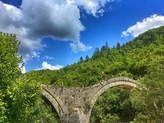 Plakidas bridge, Zagori (KC Vrn) Tags: πινδοσ βουνο καλοκαιρι ελλαδα ιωαννινα ηπειροσ κηποι πλακιδα καλογερικο γεφυρι ζαγορι mountains mountain summer gefyri kipi kipoi kalogeriko plakida bridge greece epirus zagori ioannina