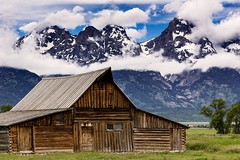 Moulton Barn (Molechaser) Tags: mountains clouds barn tamoulton moultonbarn mormonrow tetons grandteton nationalpark landscape canoneos60d canonef24105mmf4lisusm