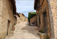 Calatañazor (Castilla y León, España, 9-6-2017) (Juanje Orío) Tags: calatañazor provinciadesoria castillayleón españa spain 2017 pueblo village europeanunion europa europe rural ue eu