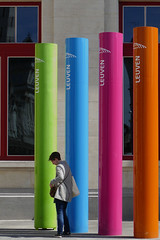 Four sticks and a Lady !! (jo.misere) Tags: leuven station centraal sticks kleuren orange purple blue green oranje blauw paars groen