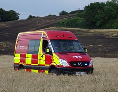 Woburn - 33 - KU59 AVG (999 Response) Tags: bedfordshire fire and rescue service woburn 33 tackling field fires dunstable ku59avg