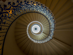 Leading light in Leading lines (Geoff Eccles) Tags: naturallight england ornate geometricselfsupporting spiral unsupported staircase wroughtiron helical tudor