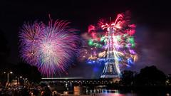 14 Juillet 2017 (Bach Quoc-Anh) Tags: eiffel paris 14072017 celebration independenceday riverside seine fireworks feu artifice citylife citynight longexposure france europe colorful lights wonderful show fetenationale