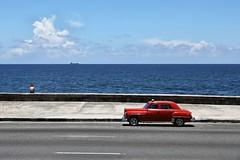 Malecón (Roger_T) Tags: malecón habana havana kuba cuba car classic classiccar street streetphotographie travel sea ocean atlantic atlanticocean outdoors sky blue blau canon canon5dmarkiv caribbean havanna 2017 malecon