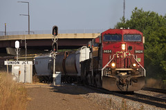 Cooperation of the Pacifics (BNSF 711) Tags: canadianpacific cp9624 ac44cw unionjct stpaulsub