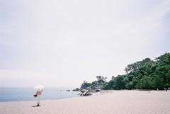 (oceanus2007 (***busy***)) Tags: leica m42 superangulon sa 21mm f34 film agfaphoto vistaplus iso400 seaside kochi shikoku superangulon21 superangulon2134