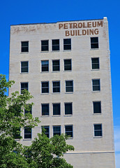 Petroleum Building, Wichita, KS (Robby Virus) Tags: wichita kansas ks petroleum building ellissingleton office art deco painted sign signage windows architecture national register historic places nrhp